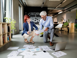 Content Marketing:Two Colleagues Discussing a Content Strategy Concept